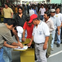 Ecuadorian Voters 200